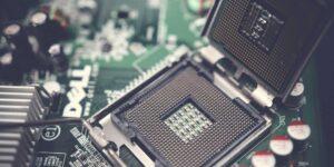 La escasez de chips durará 6 meses más, según el CEO de Cisco