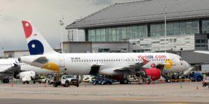 Mientras otras aerolíneas de bajo costo caen en concurso mercantil, la colombiana Viva Air abre nuevas rutas —este es su secreto