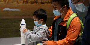 China acaba de lanzar al espacio un robot capaz de atrapar escombros espaciales con una red