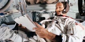 El astronauta Michael Collins, que dio la vuelta a la luna durante el viaje del Apolo 11, murió a los 90 años