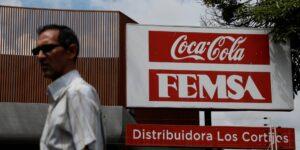 FEMSA reporta resultados de un nuevo segmento con el detalle de sus ingresos por logística y distribución —caen sus ganancias 31.3%