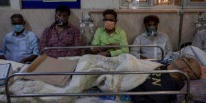 Una tormenta perfecta de 4 factores alimentó el desgarrador aumento de coronavirus en India. Otros países podrían ser los siguientes