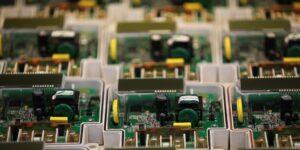 La crisis de semiconductores todavía no llega a su final —mientras Apple tiene chips, Ford recorta producción