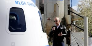 Blue Origin inicia la subasta del primer boleto para viajar al espacio abordo del cohete New Shepard