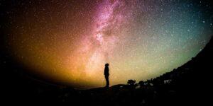 ¿Viajar al espacio? Gracias a la lectura es posible —estos son 5 libros para visitar las estrellas