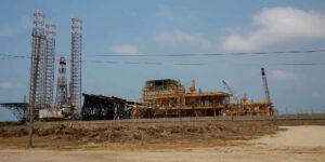 Pemex tendrá que gastar 40% más en refinería Dos Bocas y seguir recibiendo apoyo del gobierno federal