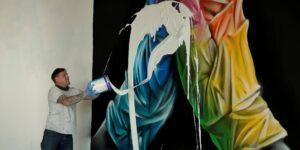 Este artista británico destruyó su propio mural para venderlo como arte NFT