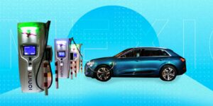 """¿Tienes pensado comprar un auto híbrido o un eléctrico? Te decimos cuál es la mejor opción y por qué. Y descuida, ninguno de ellos da """"toques""""."""