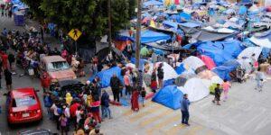 La confusión sobre las políticas de Biden crea un nuevo campamento de migrantes en la frontera con México