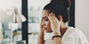 El síndrome del impostor puede descarrilar tu carrera, pero hay una manera de vencerlo, según esta psicóloga ocupacional