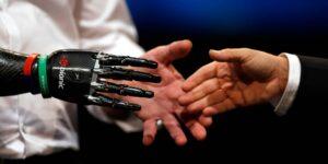 'Superenrollar' fibras sintéticas podría hacer músculos artificiales superfuertes y ayudarnos a fabricar prótesis robóticas