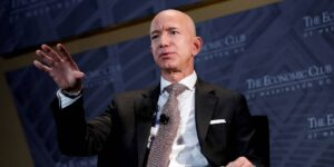 Amazon incluye a determinados empleados en programas de mejora del rendimiento difusos y poco realistas para facilitar que los jefes cumplan con las cuotas de despidos