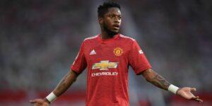Fred Rodrigues recibe insultos racistas tras la derrota del Manchester United ante el Liverpool