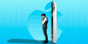 El iPhone 12 es uno de los celulares más populares en el mundo, pero en Latinoamérica hay que trabajar hasta 6 meses para poder comprarlo