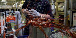 La incertidumbre política avanza en Chile y Perú, dos de los países líderes mundiales en la producción de cobre