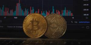 Bitcoin cae por debajo de 32,000 dólares después de prohibición en China