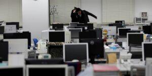 La OMS y la OIT advierten que trabajar más de 55 horas a la semana aumenta el riesgo de muerte