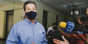 UIF ordena congelar cuentas de gobernador de Tamaulipas, Francisco Cabeza de Vaca —también existe una orden de aprehensión