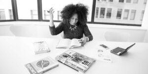 Las mujeres fueron las más golpeadas por el desempleo en la pandemia y otras historias relevantes de la semana