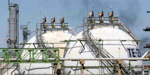 Pemex compra 50% refinería Deer Park a Shell por 600 millones de dólares