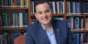 Luis Welbanks es el mexicano que la NASA becó para encontrar vida en los exoplanetas