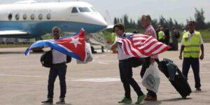 Un grupo de diplomáticos y empleados de EU con síntomas del 'síndrome de La Habana' dicen que el gobierno de Biden les niega atención e ignora sus pruebas