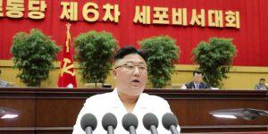 Corea del Norte declara la guerra a la moda occidental y prohíbe los jeans ajustados, ciertos cortes de pelo y los piercings