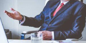 3 maneras de sentirte más fuerte y seguro psicológicamente cuando tienes un jefe difícil o impredecible