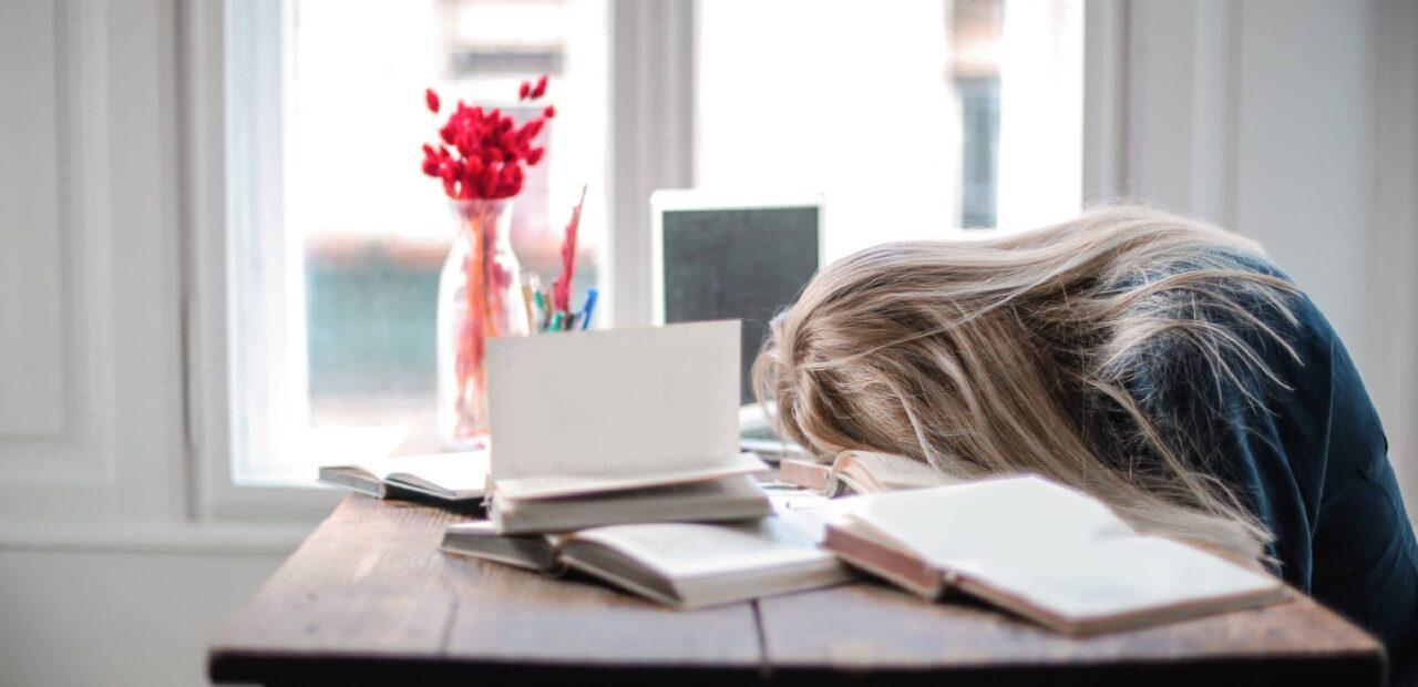 empleados exponen datos por estrés