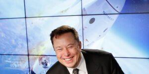 Elon Musk tiene en proceso una plataforma de lanzamiento costa afuera de SpaceX que se llamará 'Deimos'