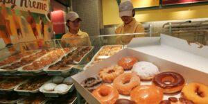 Krispy Kreme se presenta oficialmente a cotizar en bolsa a través de una oferta pública inicial y cotiza en el Nasdaq con el símbolo DNUT