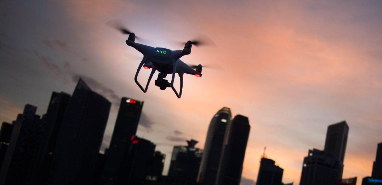dron ataque contra seres humanos