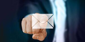10 cosas que jamás debes escribir y enviar por el email de tu trabajo
