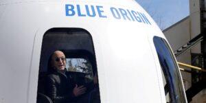 La oferta ganadora para un asiento en la nave espacial de Blue Origin fue de 28 millones de dólares