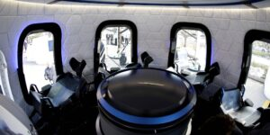 Podrás volar al espacio con Jeff Bezos si ganas la subasta en vivo de Blue Origin este sábado