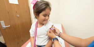 Las vacunas Covid-19 para niños de hasta 6 meses de edad podrían estar disponibles a finales de septiembre