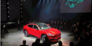 Ford fabricó más Mustangs eléctricos que de gasolina este año, debido a la escasez global de chips