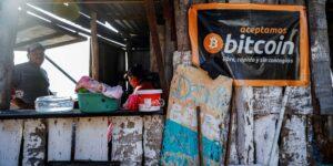 4 obstáculos que enfrenta El Salvador para que bitcoin sea su segunda moneda oficial