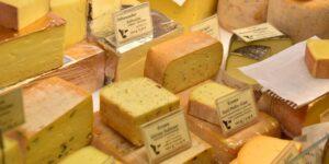 Sí, puedes congelar queso; esto es lo que necesita saber antes de hacerlo