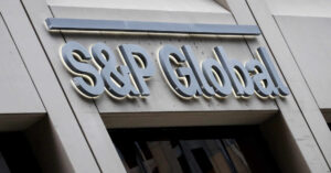 S&P otorga voto de confianza a México y ratifica su calificación con una perspectiva negativa