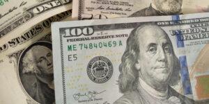 El tipo de cambio se depreció por sexta ocasión al hilo hasta que se ubicó en 20.70 pesos por dólar, su peor nivel desde marzo