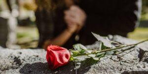 No se puede prevenir un aborto espontáneo, pero hay formas de reducir el riesgo de que ocurra