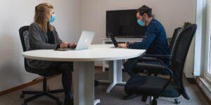 Cómo responder a la nueva pregunta recurrente en las entrevistas laborales: ¿Prefieres home office o trabajar en la oficina?