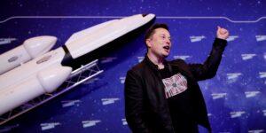 Todavía no es momento para hablar de la salida a bolsa de Starlink, el servicio de internet satelital de Elon Musk, dice el multimillonario