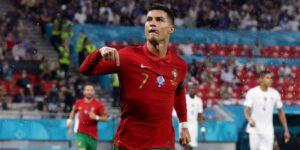 Cristiano Ronaldo es tan competitivo que envía mensajes de texto a los analistas de televisión que piensan que Lionel Messi es mejor que él —y les preguntan por qué