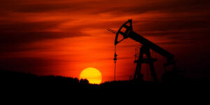 El peso y el petróleo pierden terreno debido a la incertidumbre que está causando la variante Delta