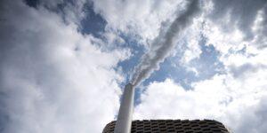 El mundo debe eliminar 1,000 millones de toneladas de CO2 para 2025 para cumplir meta de clima, según estudio