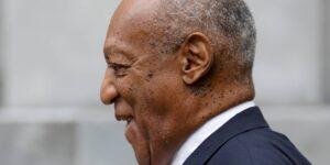 La condena por agresión sexual de Bill Cosby es desestimada por el tribunal más alto de Pensilvania