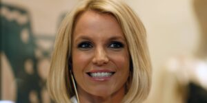 Juez niega la solicitud de Britney Spears para destituir la tutela de su padre