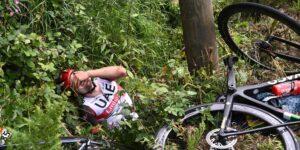 El Tour de France retira la demanda contra la aficionada que provocó la caída de los ciclistas en la etapa uno